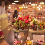 假屋崎省吾の生け花!花を花瓶花器に美しく飾る方法!剣山を使った基本の生け方も